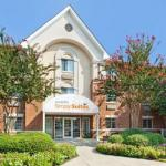 Hotels near McKnight Hall At UNCCs Cone Center - Candlewood Suites Charlotte - University