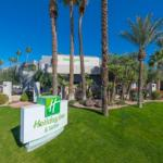El Zaribah Shrine Auditorium Hotels - Holiday Inn and Suites Phoenix Airport North