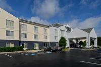 Fairfield Inn & Suites Charlotte Arrowood Image