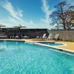 Hotels near Colonial Downs - Doubletree Hotel Richmond Airport
