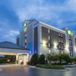 Holiday Inn Express Hotel & Suites Wilmington-University Ctr