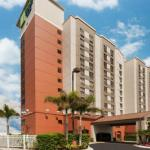 Accommodation near Dr Phillips High School - Holiday Inn Express Hotel & Suites