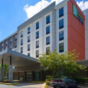 Towson University Hotels - BEST WESTERN PLUS Towson Baltimore North Hotel & Suites