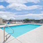Days Inn & Suites By Wyndham Hutchinson