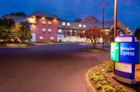 Holiday Inn Express Nashville Airport Image