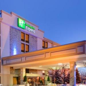 Hotels near Dort Federal Event Center - Holiday Inn Express Flint-Campus Area