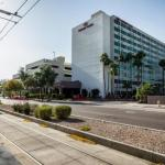 El Zaribah Shrine Auditorium Accommodation - Crowne Plaza Phoenix - Phx Airport