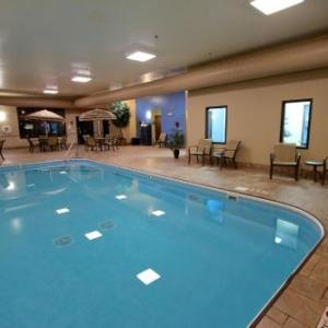 Holiday Inn Express Hotel & Suites Findlay