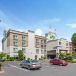 Hotels near Tacoma Dome - Holiday Inn Express Hotel And Suites Tacoma
