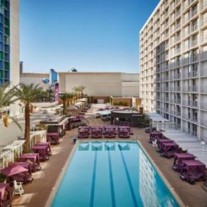 Fashion Show Mall Hotels - Harrahs Las Vegas