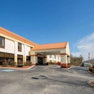 Hotels near Ruby Falls - Clarion Inn Chattanooga