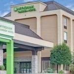Accommodation near Jillians Concord Mills - Quality Inn Executive Park