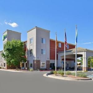 Hotels near Santa Ana Star Casino - Holiday Inn Express Bernalillo