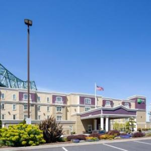 Hotels near Liberty Theater Astoria - Holiday Inn Express Hotel & Suites Astoria