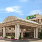 Accommodation near Parx Racing and Casino - Holiday Inn Express Bensalem
