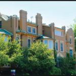 Hotels near Fillmore Auditorium Denver - The Holiday Chalet Victorian Bed & Breakfast