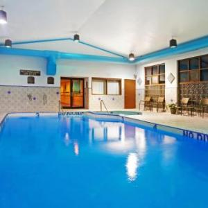 MVP Fieldhouse Hotels - Holiday Inn Express Hotel & Suites Grand Rapids Airport