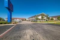 Motel 6 Farmers Branch Image
