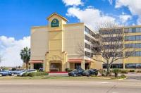 La Quinta Inn And Suites New Orleans Airport Image