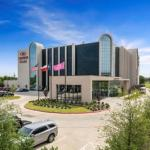 Verizon Theatre Grand Prairie Hotels - Crowne Plaza Suites Arlington