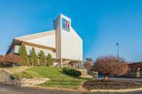 Motel 6 Cincinnati Central- Norwood Image