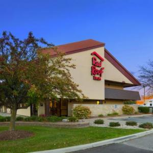 Hotels near Heritage Park Taylor - Red Roof Inn Detroit Southwest Taylor