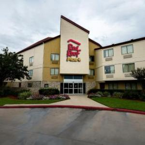 Houston Farm and Ranch Hotels - Red Roof Plus  Houston - Energy Corridor
