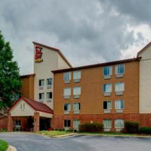 Hotels near Lonnie Poole Golf Course - Red Roof Inn Plus Raleigh Ncsu- Convention Center