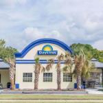 Accommodation near Farm Bureau Live at Virginia Beach - Days Inn Virginia Beach