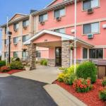 Accommodation near Hawkeye Downs - Quality Inn South Cedar Rapids