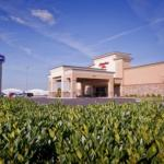 Hotels near Ford Center Evansville - Hampton Inn Evansville Airport