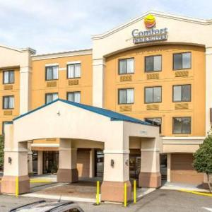 Hotels near Chevrolet Theatre - Comfort Inn & Suites Meriden