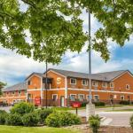 Hawkeye Downs Hotels - Econo Lodge Cedar Rapids