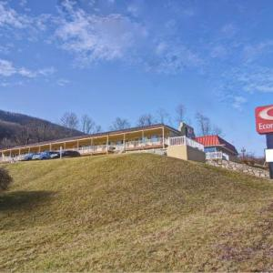 Econo Lodge Near Bluefield College