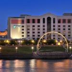Hotels near Wells Fargo Arena Des Moines - Embassy Suites Hotel Des Moines-On The River