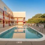 Accommodation near Hawkeye Downs - Red Roof Inn - Cedar Rapids