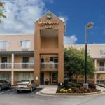 Cowtown Rodeo Arena Accommodation - Quality Inn Newark