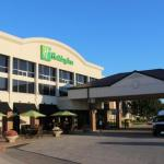 Accommodation near Wells Fargo Arena Des Moines - Holiday Inn Des Moines-Airport/Conf Center