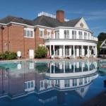 Colonial Downs Accommodation - Williamsburg Plantation
