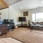 Brewsters On Water Street Hotels - Econo Lodge Inn & Suites