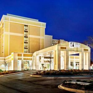 Hotels near Joseph P Riley Jr Park - Holiday Inn Express Charleston Downtown - Ashley River