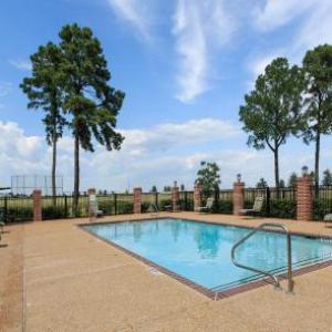 Whispering Woods Hotel Conference Center