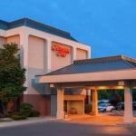 Accommodation near Wells Fargo Arena Des Moines - Hampton Inn Des Moines Airport