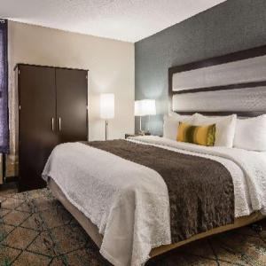 Pike Performing Arts Center Hotels - Holiday Inn Express Indianapolis Nw - Park 100