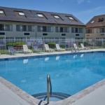 The Admiralty Inn And Suites