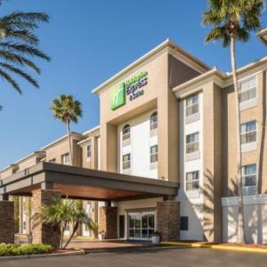 Holiday Inn Express & Suites Orlando International Airport in Orlando