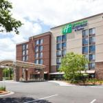 Accommodation near Chanhassen Dinner Theatres - Holiday Inn Express & Suites Bloomington West