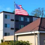 Accommodation near Portland State University: Lincoln Hall - Comfort Inn & Suites Beaverton