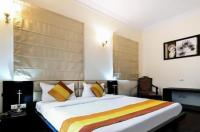 Fabhotel Connaught Mews