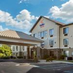 Accommodation near Howlin Moon - Comfort Suites Grandville